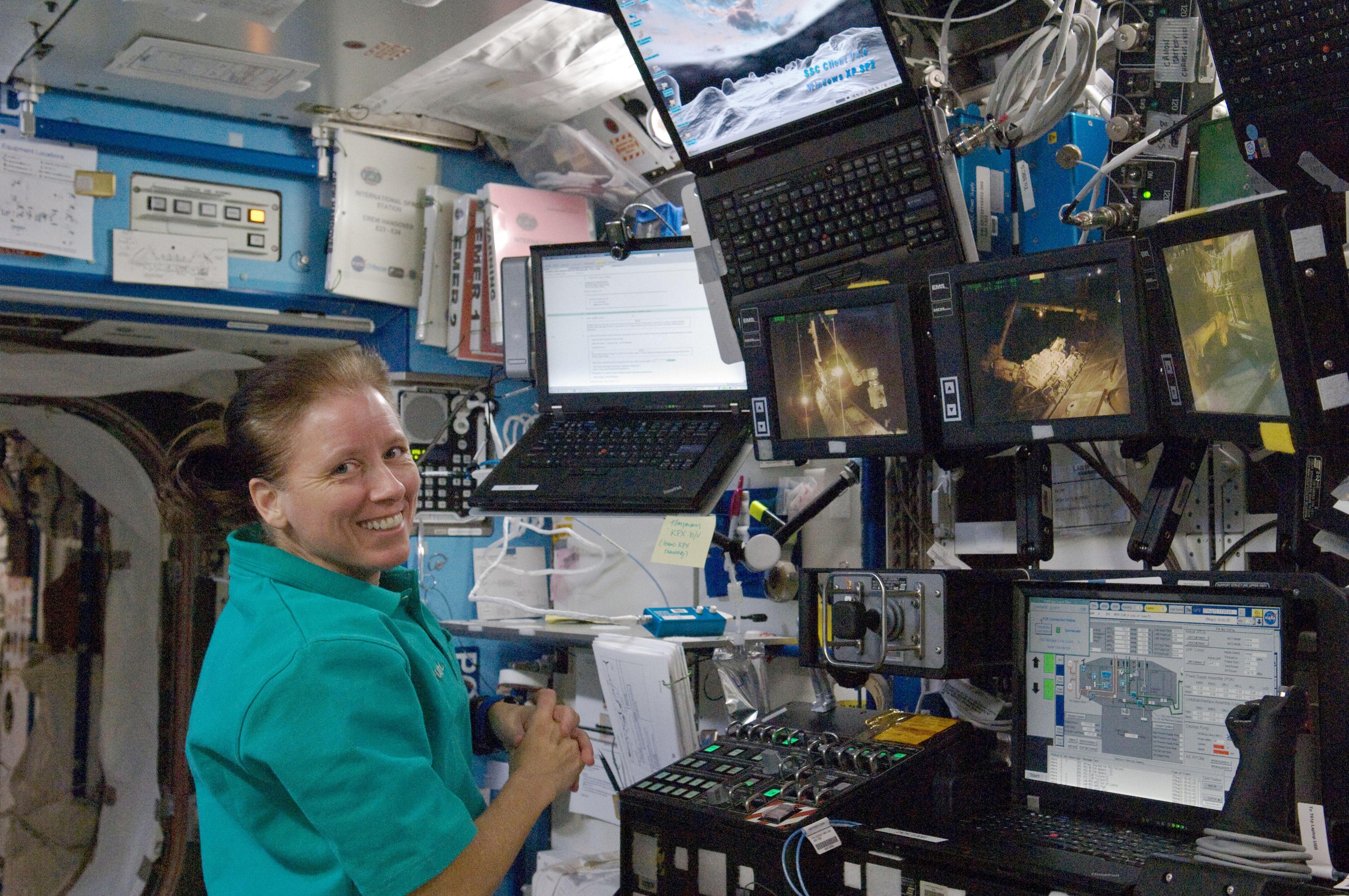 Комп'ютери в космосі.